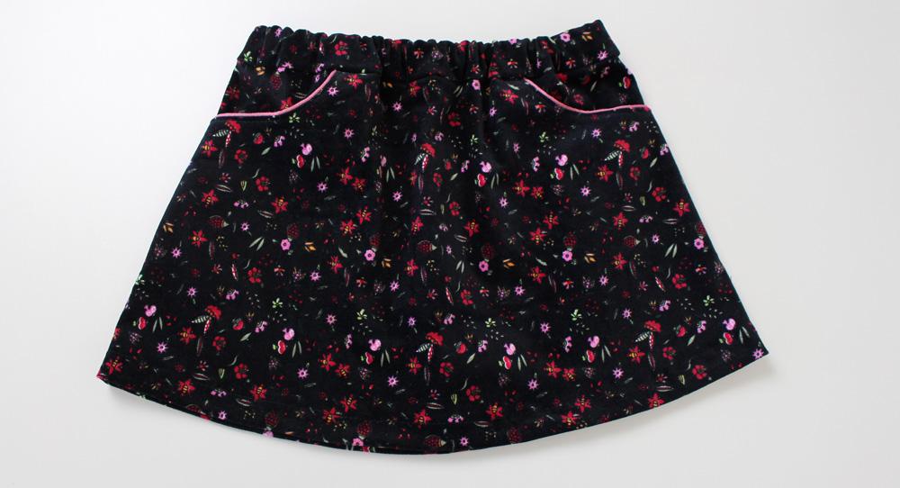 Modificação de moldes: transformando o Vestido Julia em uma mini saia com bolsos traseiros