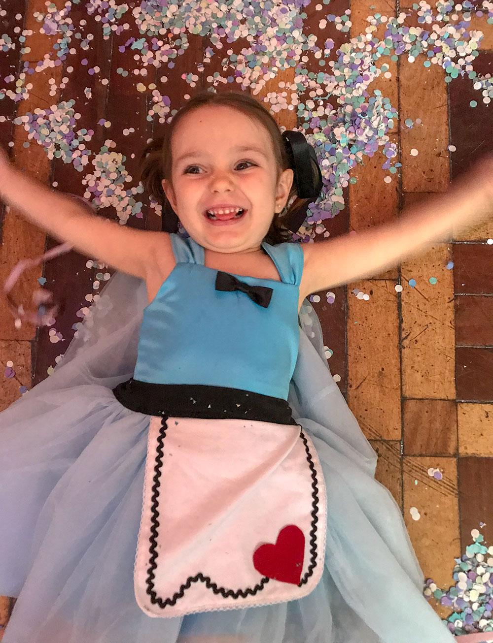 Fantasia Alice e Rainha de Copas - costura